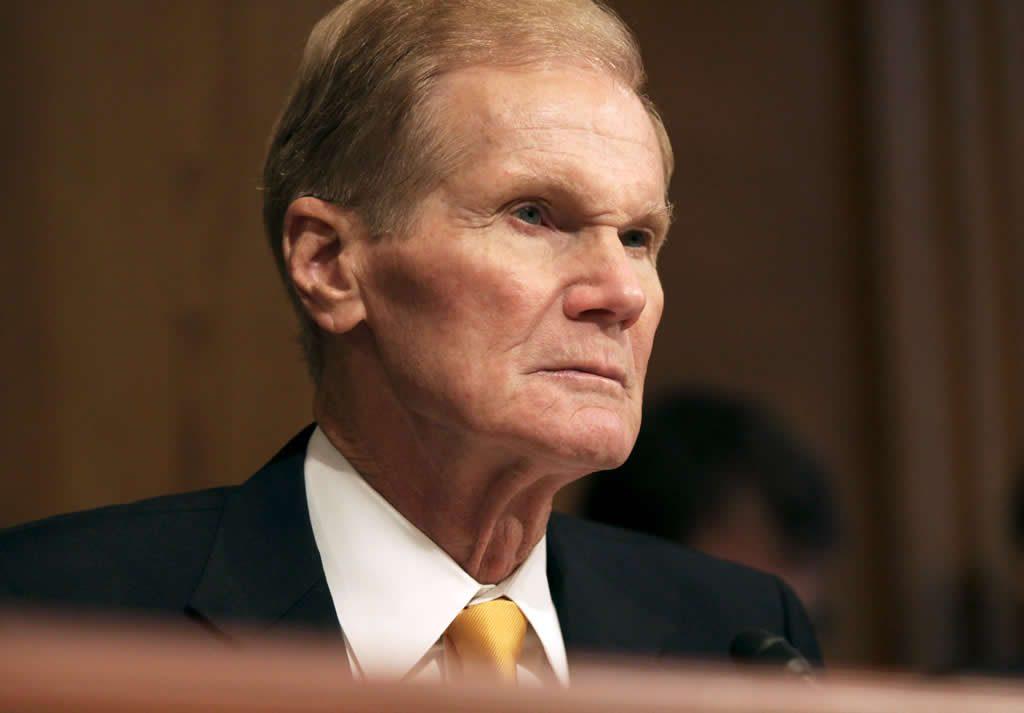 Senador de EEUU denuncia que Florida vendió datos de millones de conductores