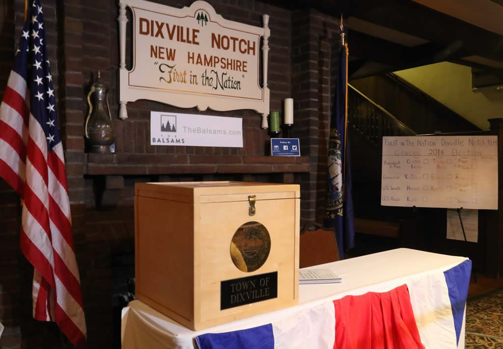 Abren los primeros centros de votación