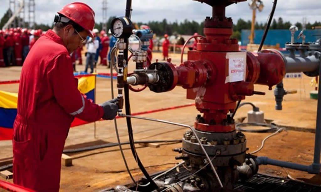 Petróleo venezolano volvió a caer y cierra en 37,46 dólares el barril