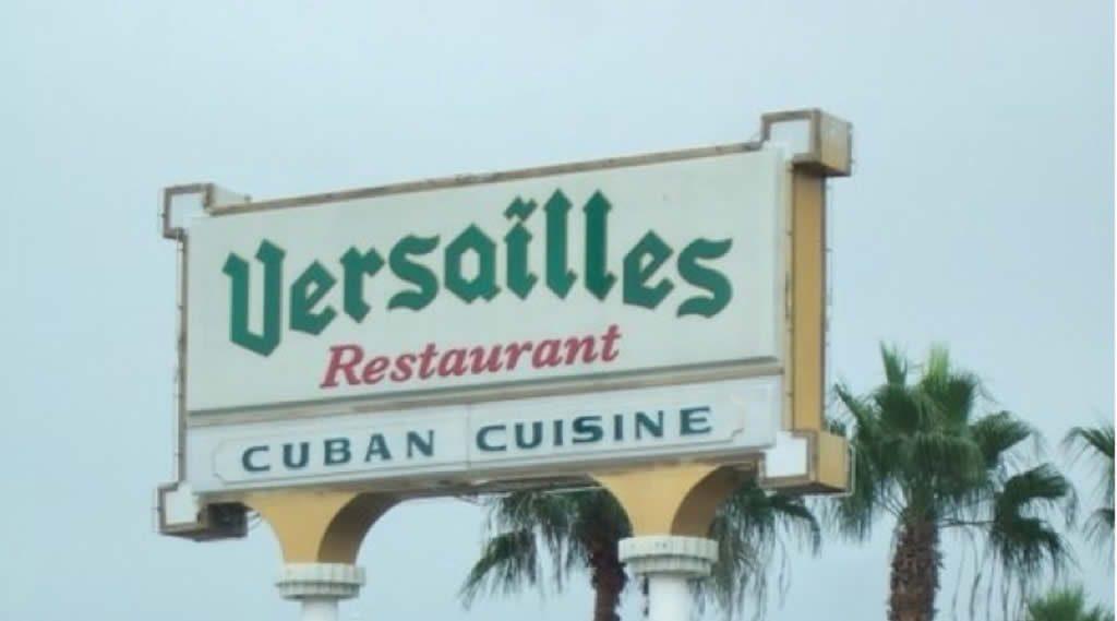 Fiesta en el Versailles de Miami tras la muerte de Fidel Castro