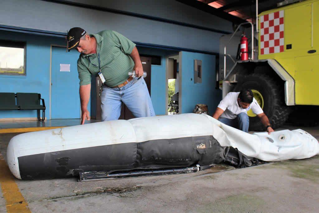 Hallan flotador de helicóptero accidentado en Panamá con 2 venezolanos