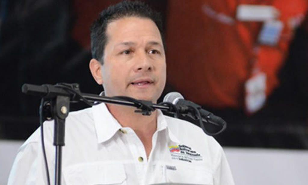 """Gobierno venezolano insiste en que """"guerra económica"""" induce alta inflación"""