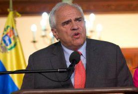 Samper dice que liberaciones muestran que diálogo es el camino en Venezuela