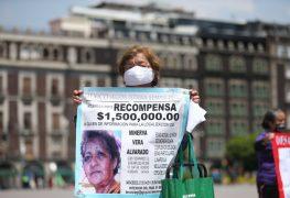"""Familiares de desaparecidos marchan para pedir """"justicia"""" en México"""