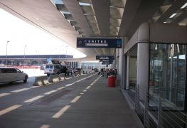 Hombre se pasa 3 meses escondido en un aeropuerto por miedo a la covid